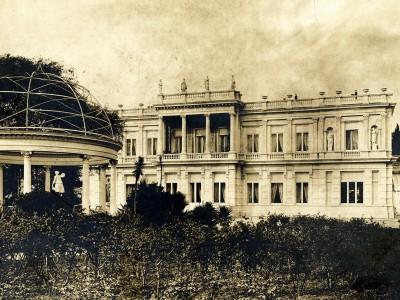 Photo ancienne de la façade du Palais de Marbre à Fabron