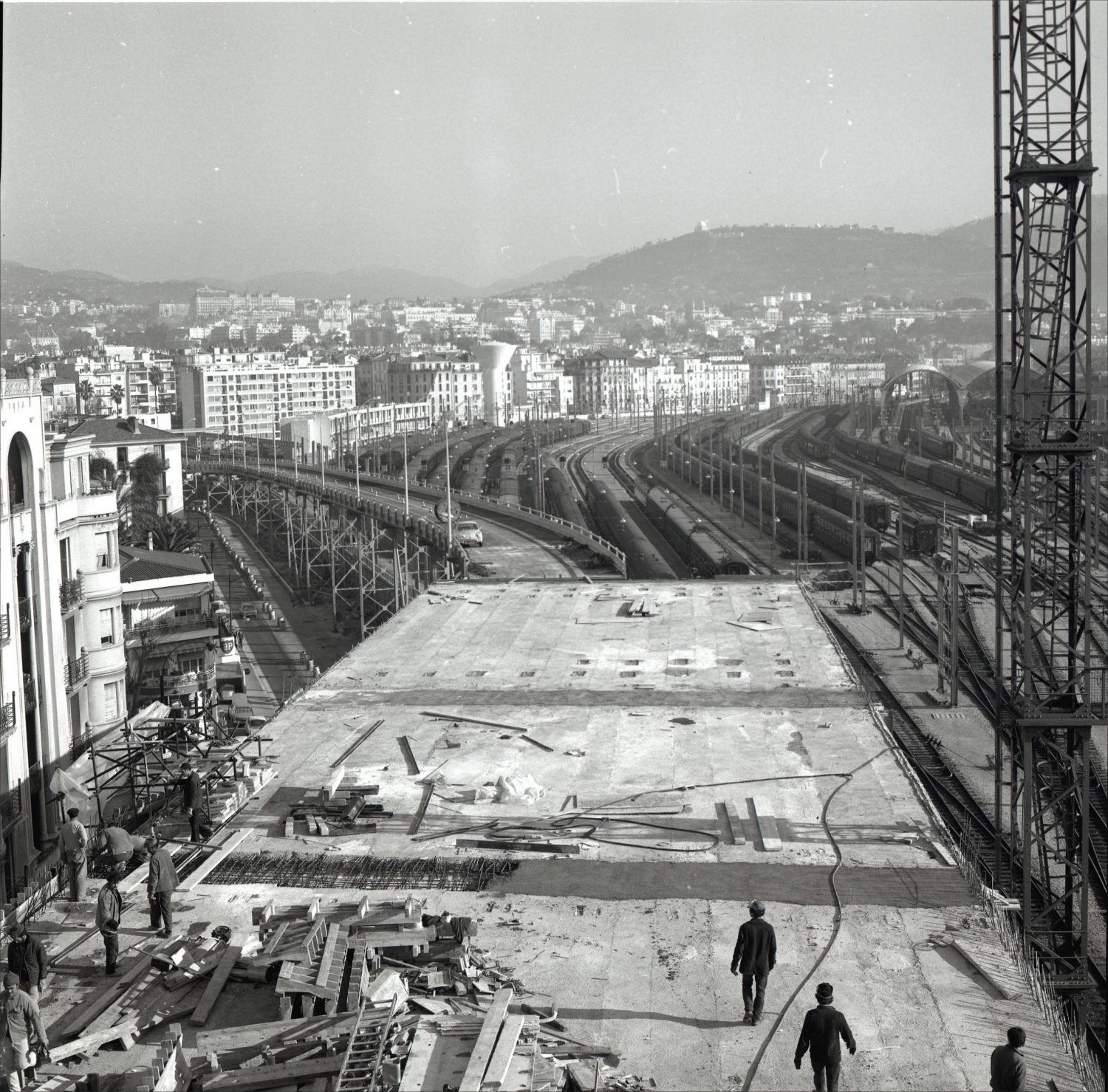 Chantier de construction, photographie noir et blanc